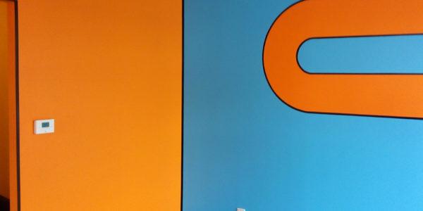Peinture orange et bleue