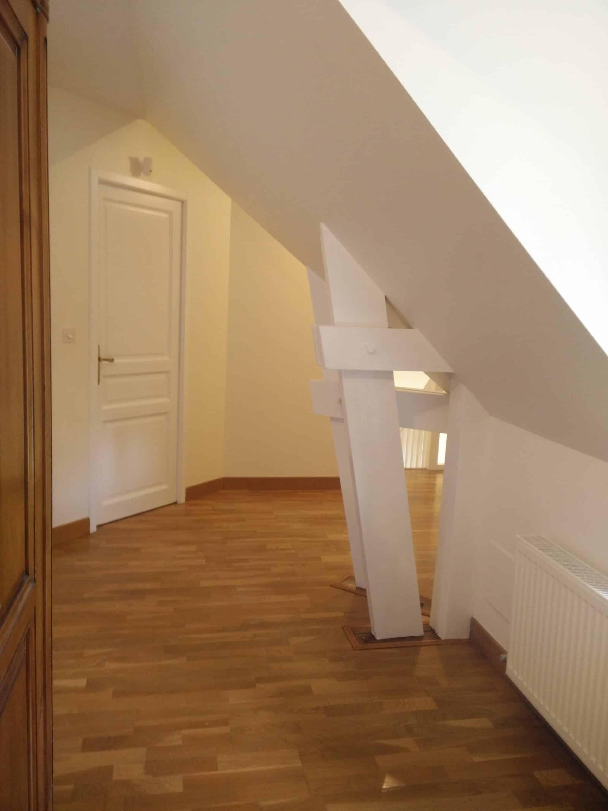 r alisation peinture couloir blanc artisan peintre orl ans st ph d co. Black Bedroom Furniture Sets. Home Design Ideas